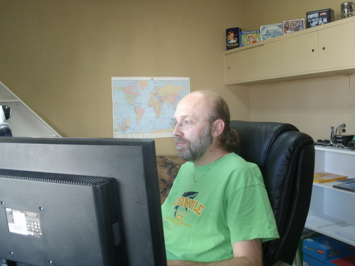 Ruud Hein working in his home office.